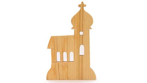 drevene dekorace-kostelik